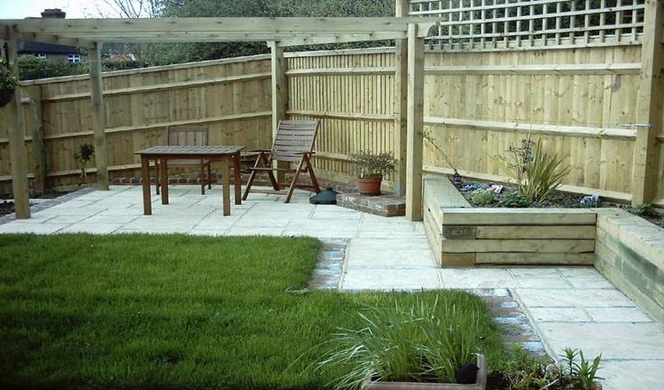 privacy fences for backyards photo - 2