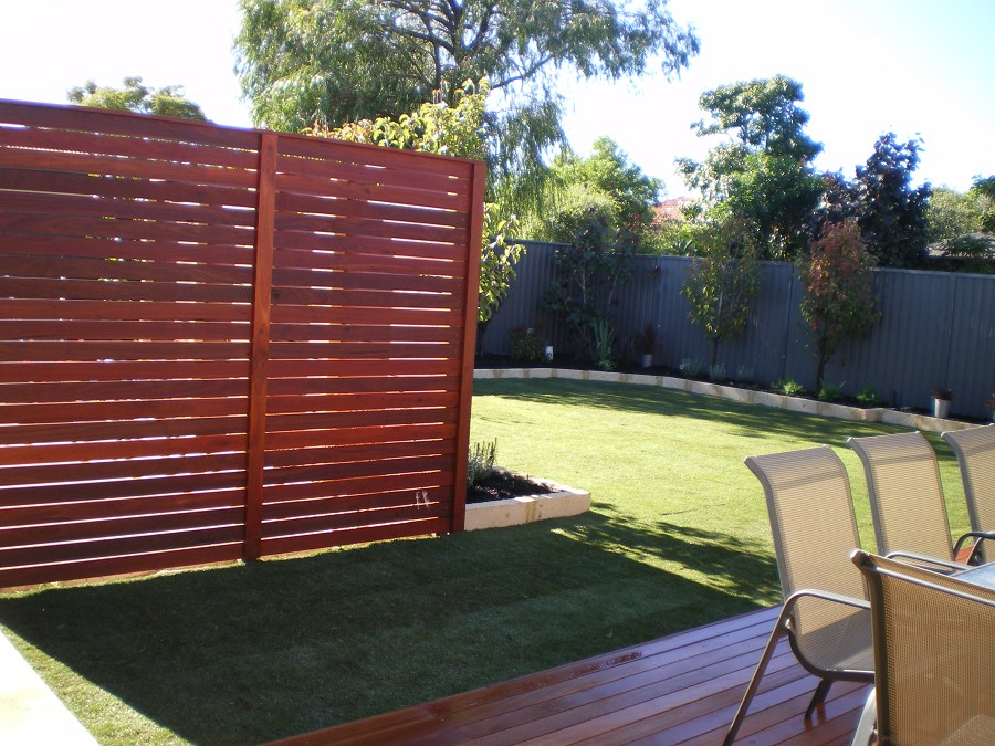 Privacy screen backyard large and beautiful photos for Large outdoor privacy screen