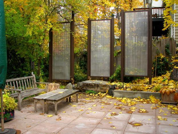 privacy screen ideas for backyard photo - 2