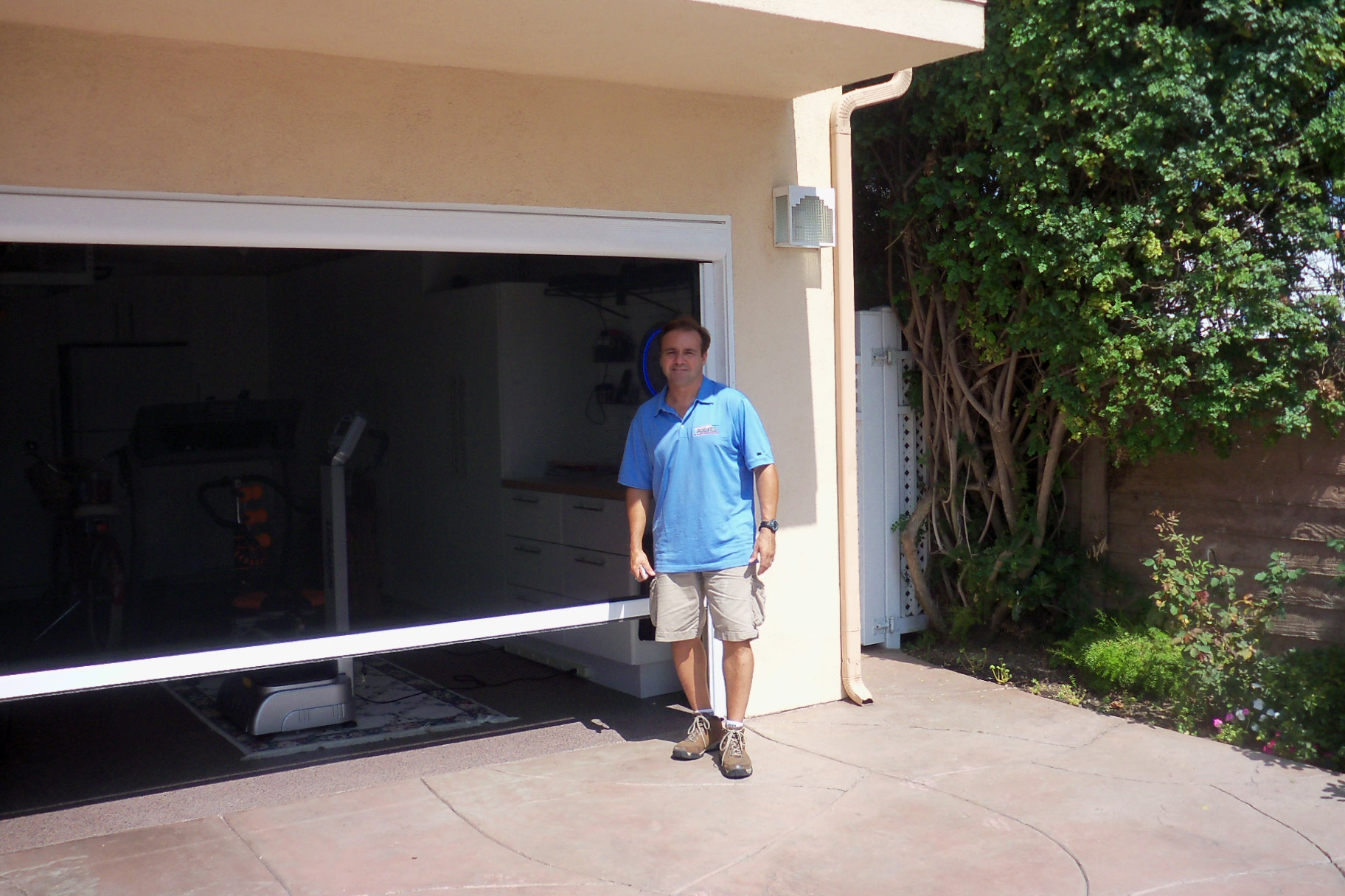 Screen doors for garage door opening large and beautiful for Roll down garage door screen