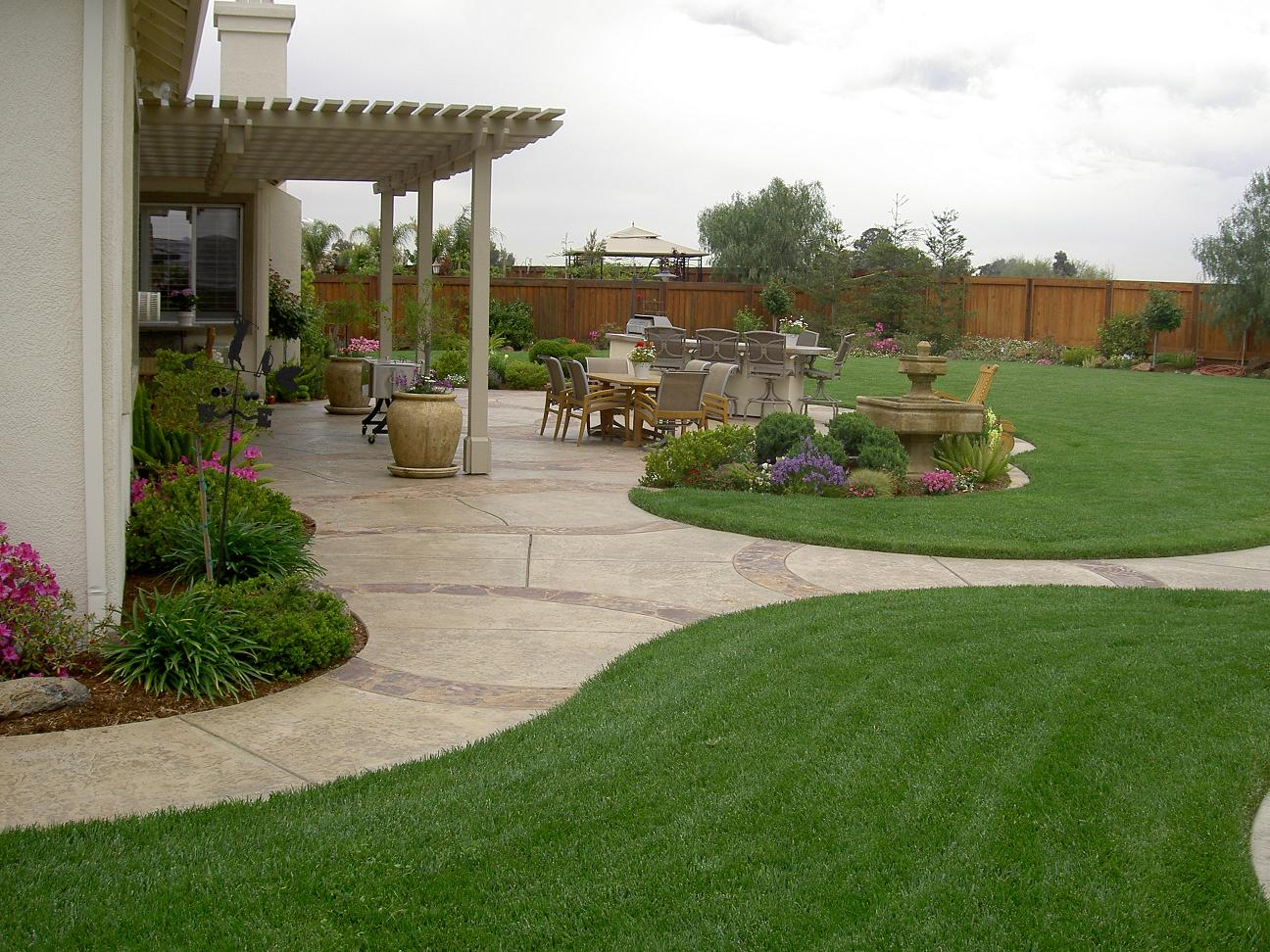 simple backyard design photo - 1