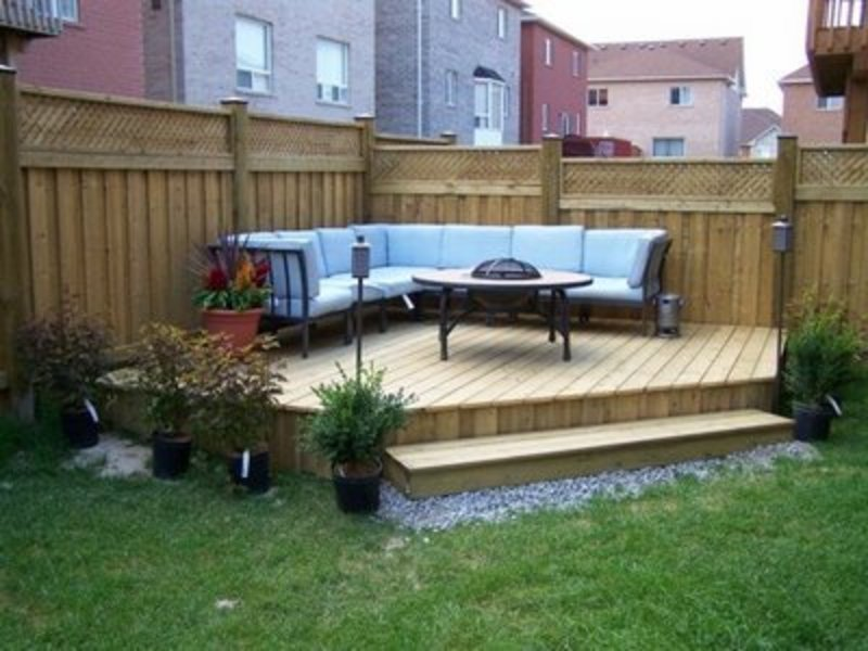 simple small backyard landscaping ideas photo - 2