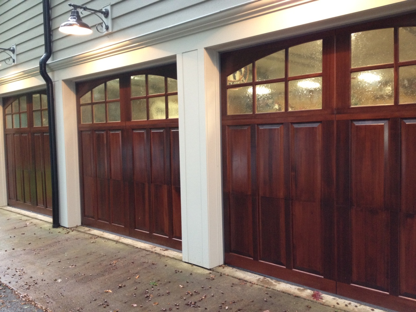 single door garage door photo - 2