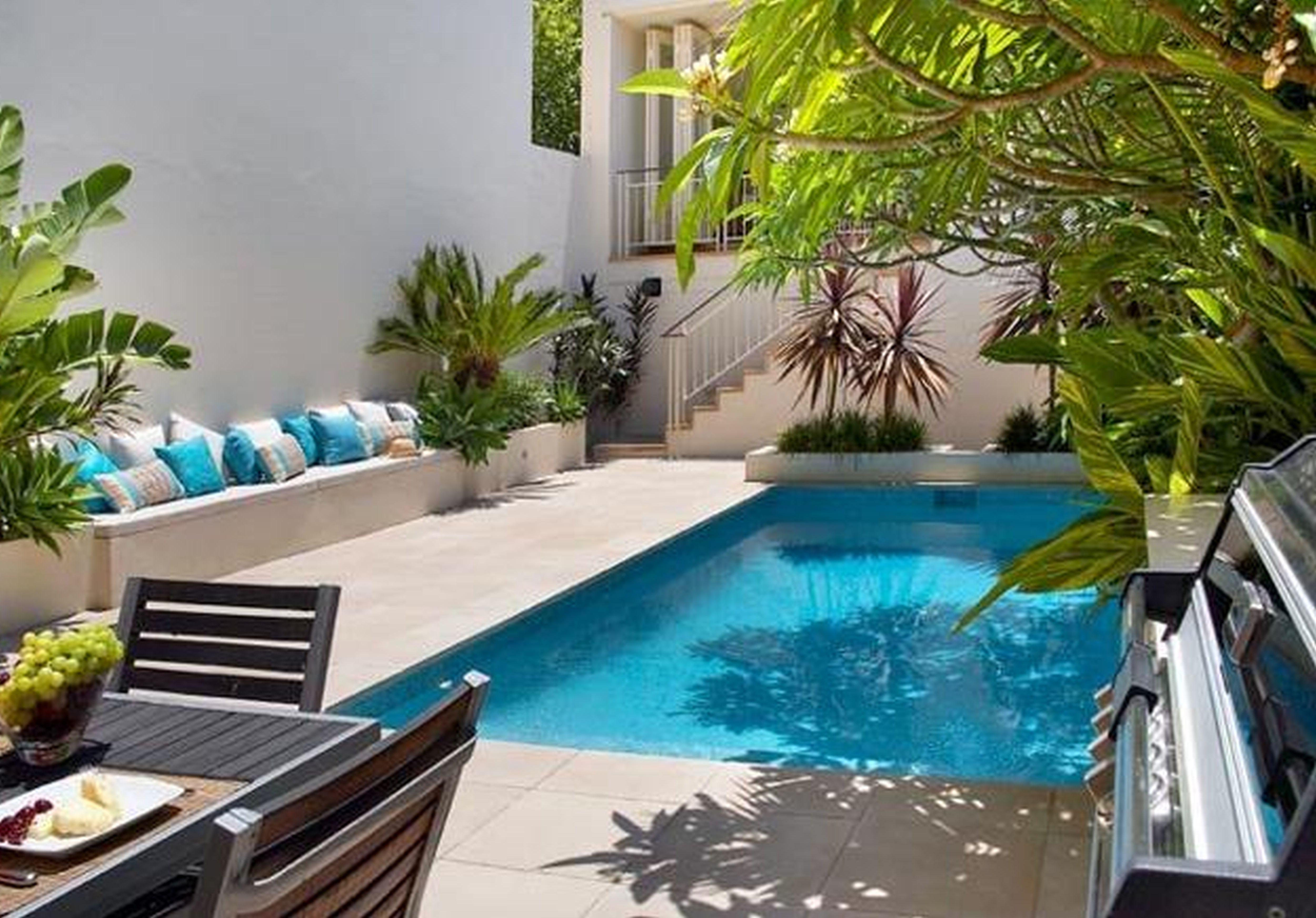 small backyard with pool photo - 2