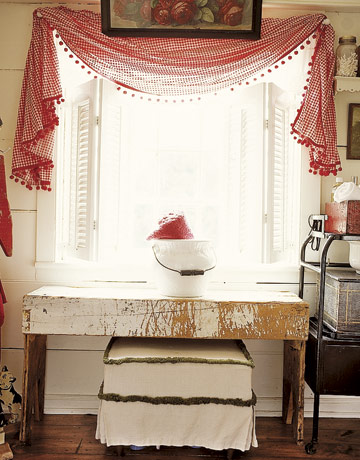 small bathroom window treatments photo - 1