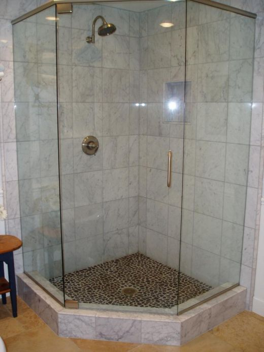 small bathrooms with showers photo - 1