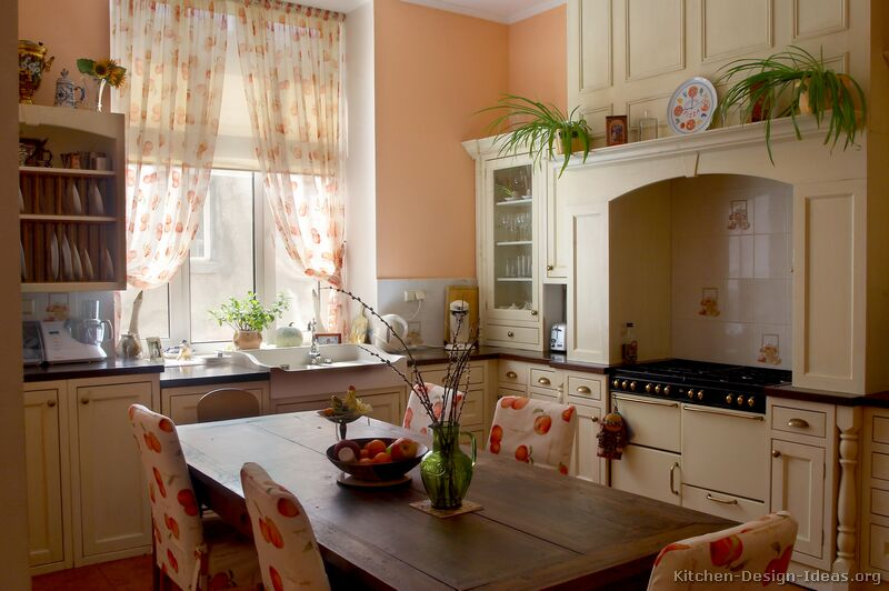 Small Cottage Kitchen Ideas Photo   1