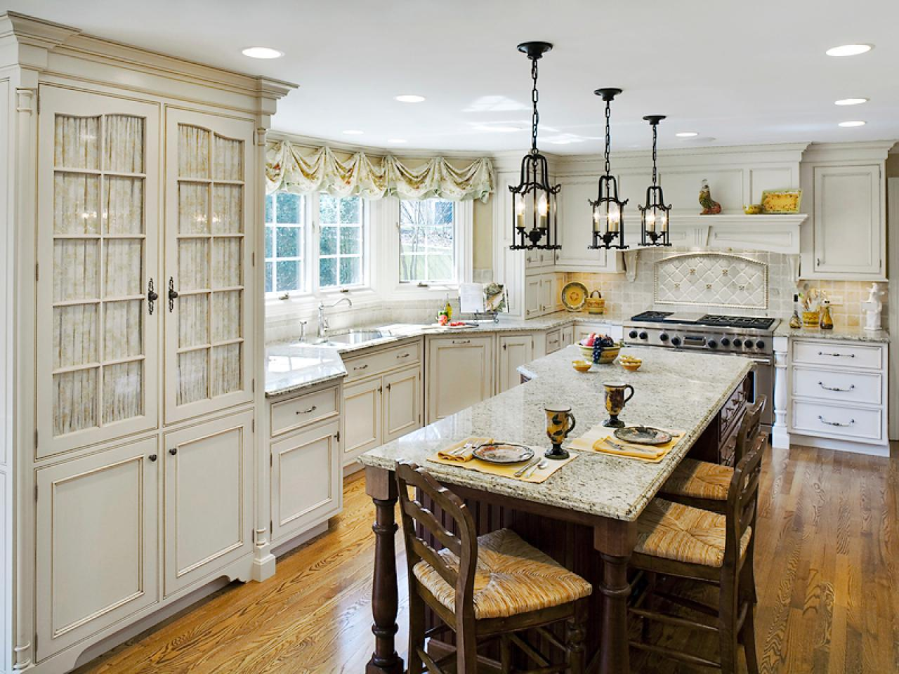Small country kitchen tables - large and beautiful photos. Photo ...