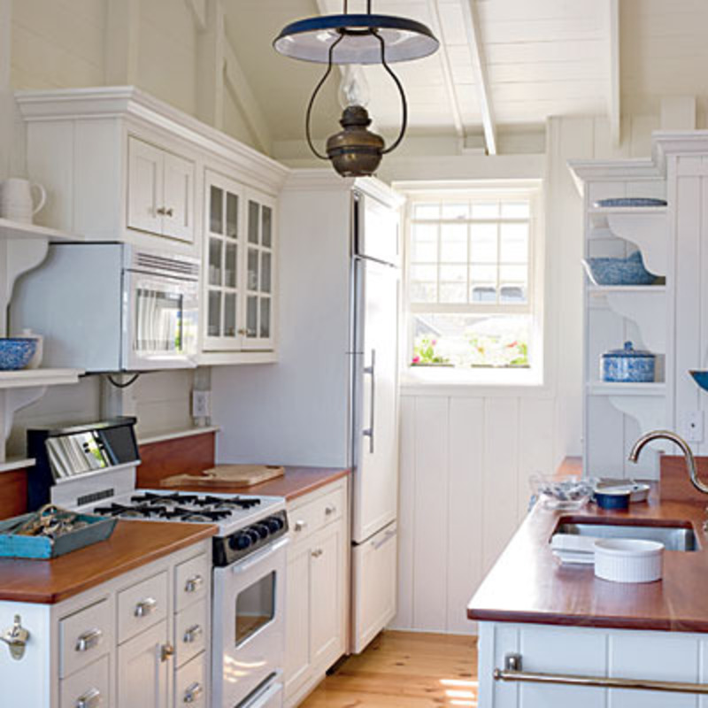 small galley kitchen design layouts photo - 1