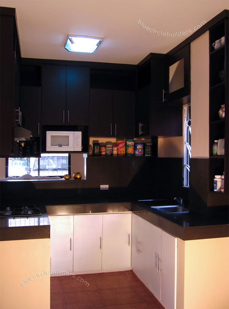 small kitchen cabinets design photo - 2