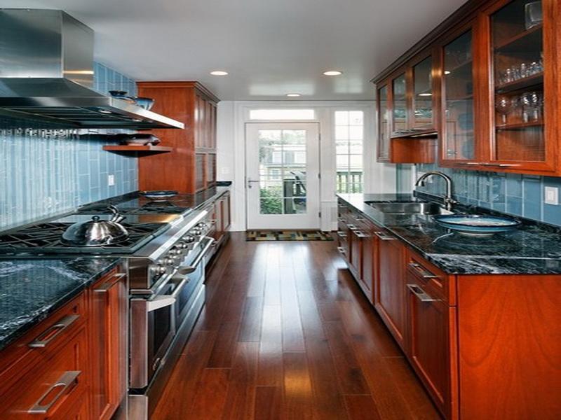 small kitchen layout with island photo - 1