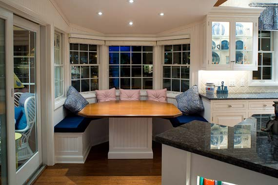 small kitchen nook table photo - 1