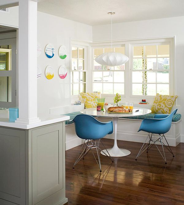 small kitchen nook table photo - 2