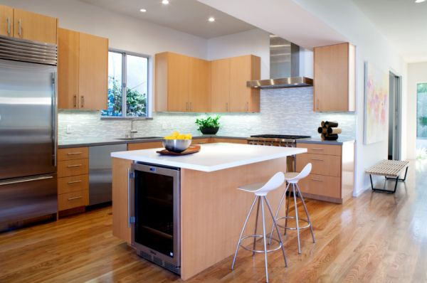 small kitchens with island photo - 2