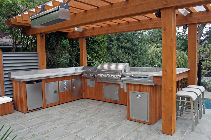 small outdoor kitchen photo - 2