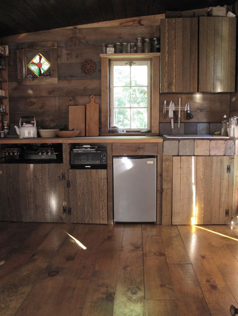 small rustic kitchen photo - 1