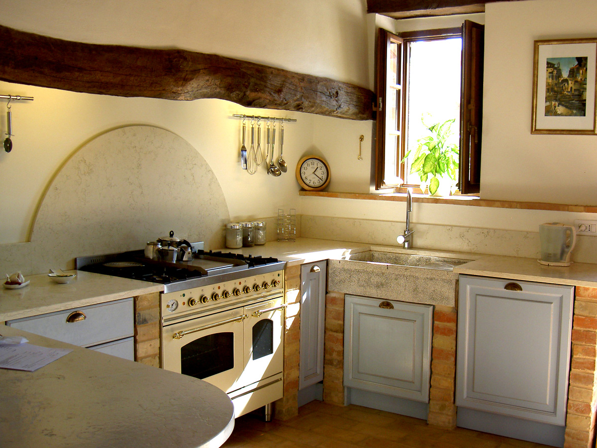 small rustic kitchen photo - 2