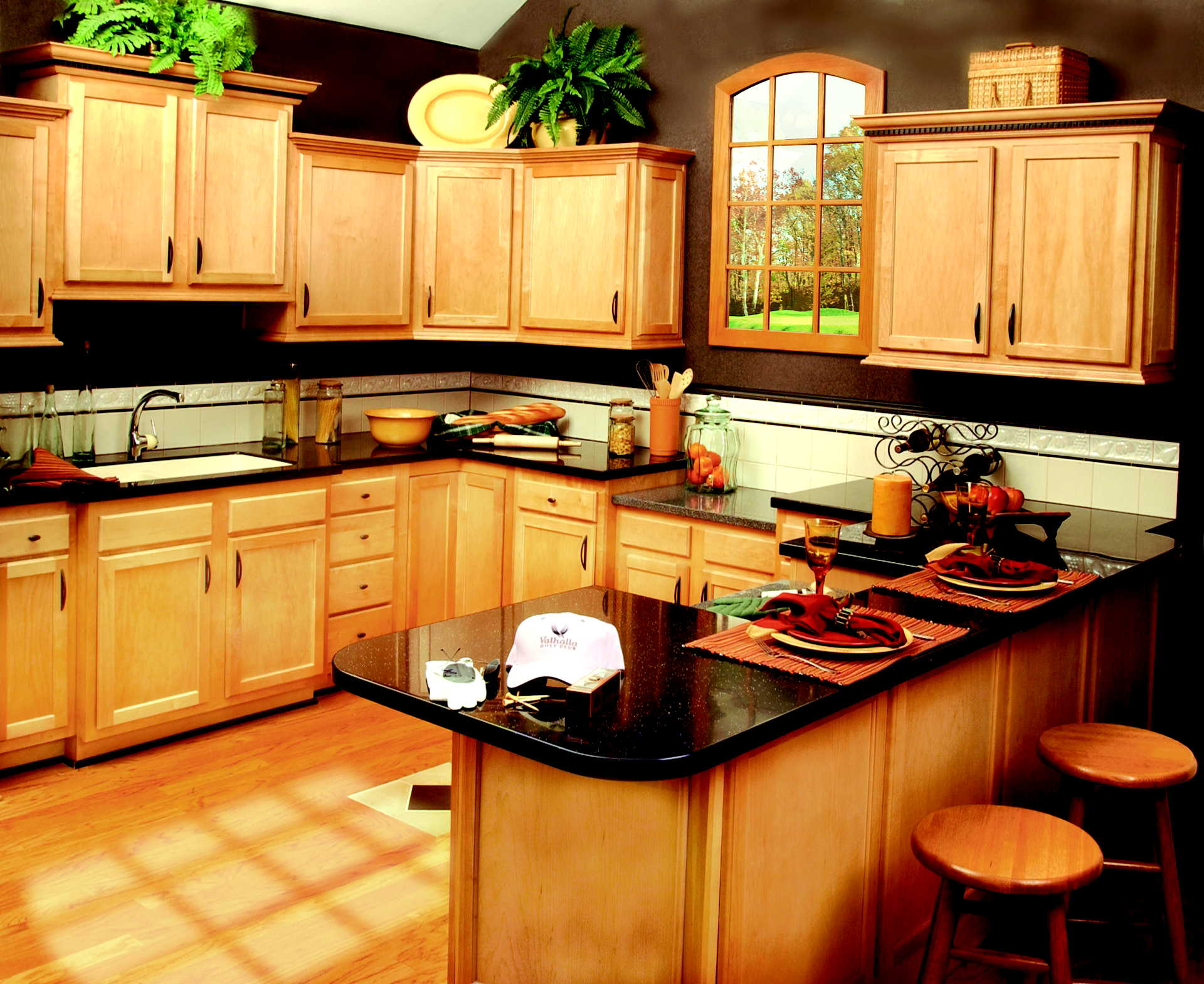 small traditional kitchens photo - 1