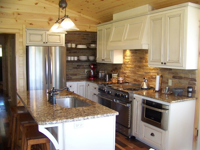 small traditional kitchens photo - 2