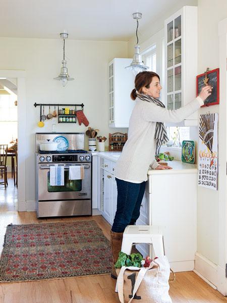 small white kitchen photo - 1