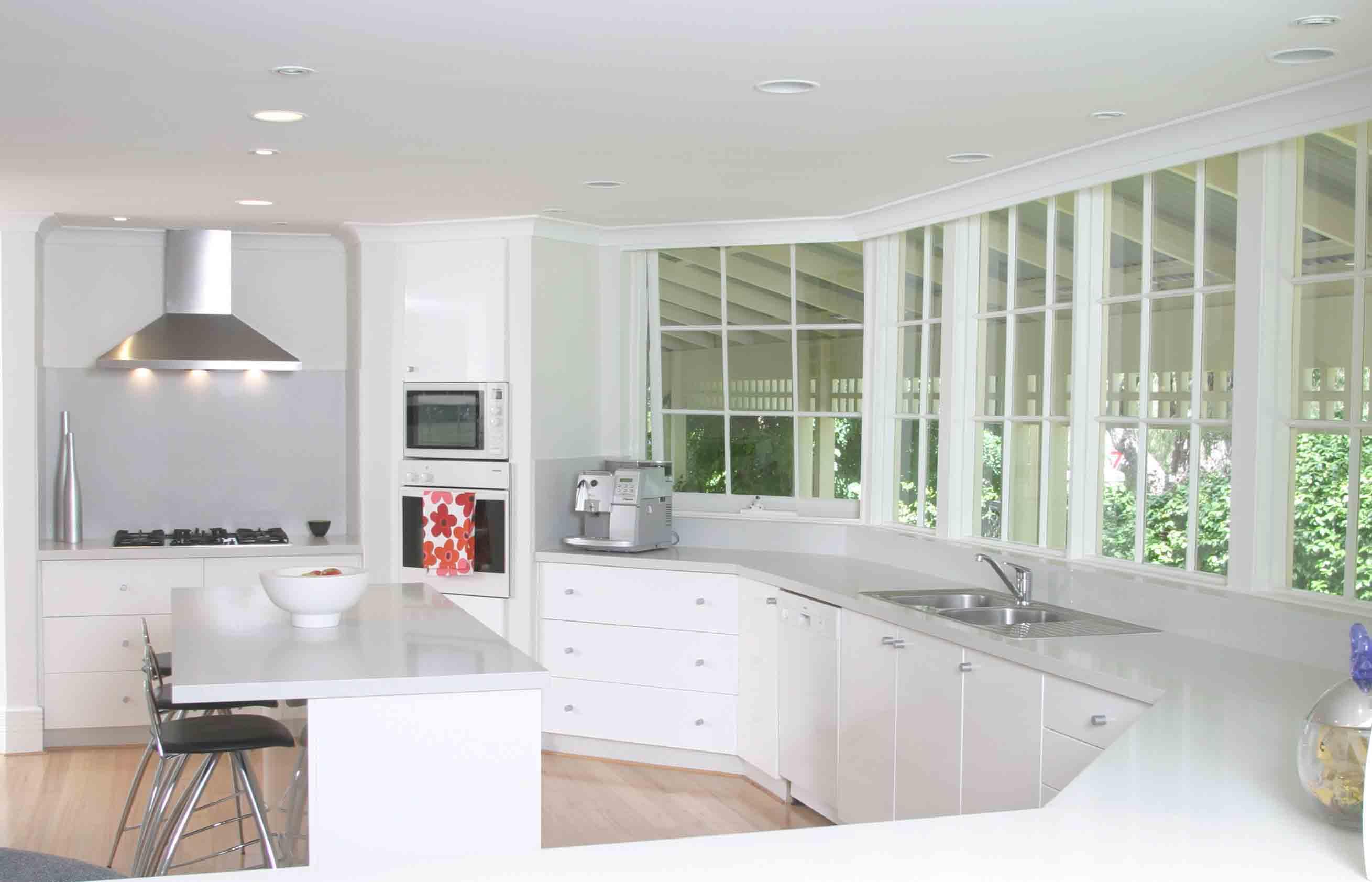 small white kitchen ideas photo - 1
