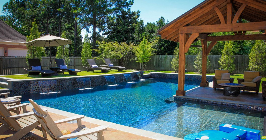 swimming pool ideas for small backyards photo - 1
