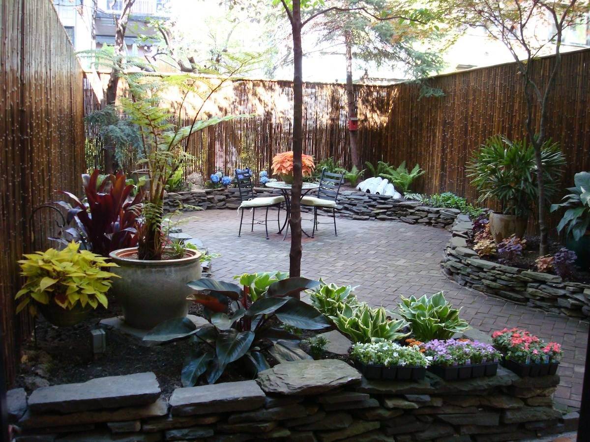 townhouse backyard landscaping ideas photo - 1