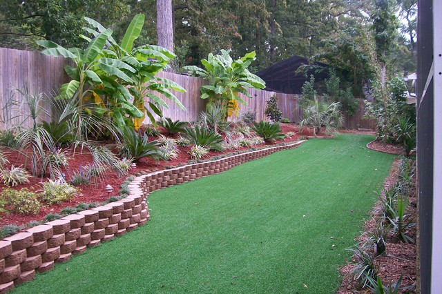 Tropical backyard landscaping ideas large and beautiful for Backyard landscaping pictures