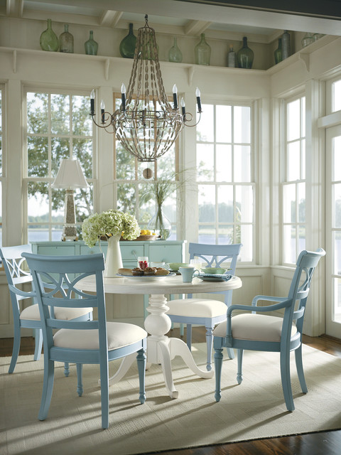 tropical dining room photo - 1