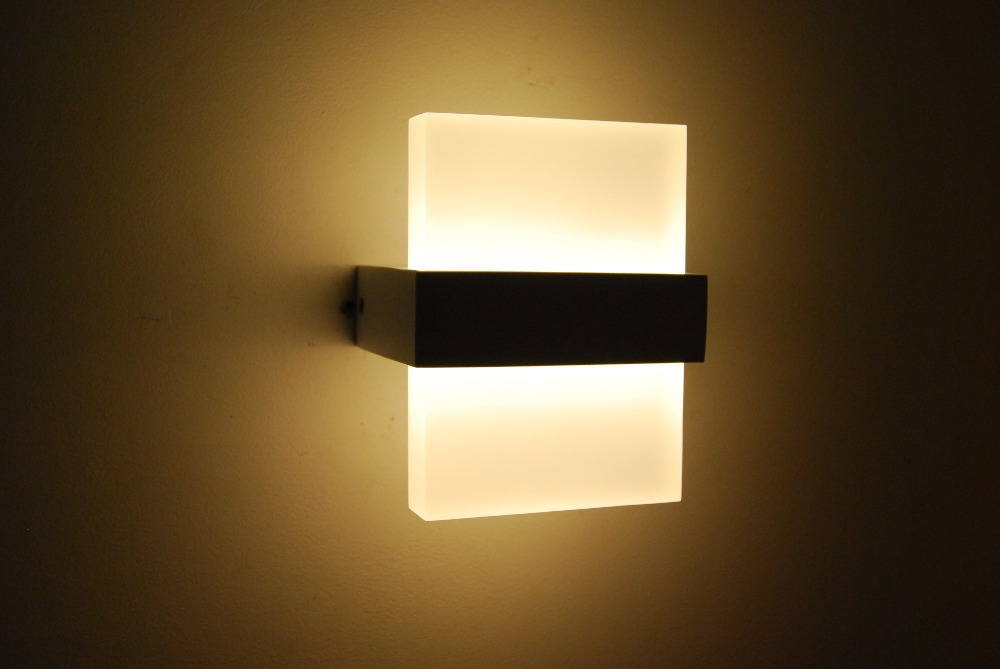 wall lamp bedroom photo - 2