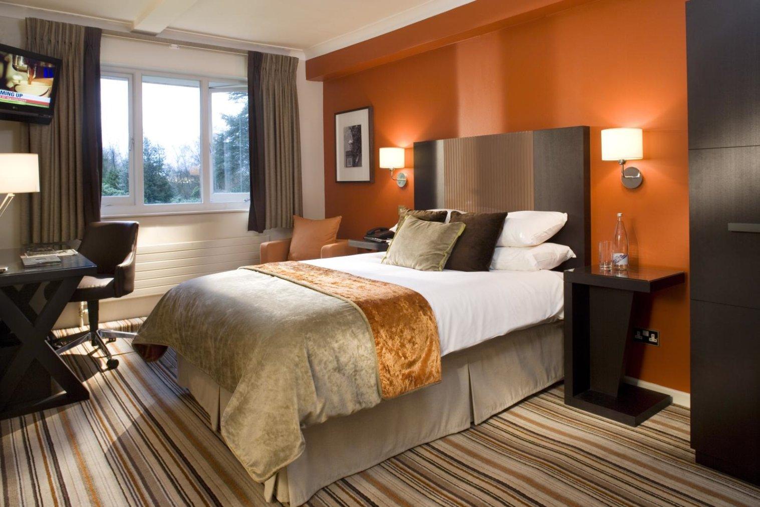 warm bedroom colors photo - 2