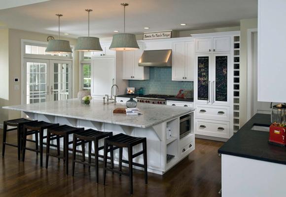 white small kitchen photo - 2