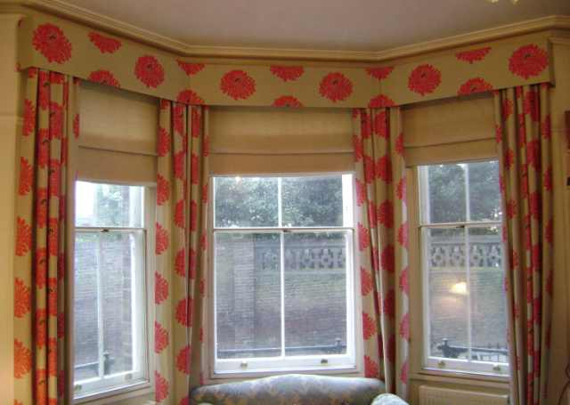 window treatments for bay windows in dining room photo - 1